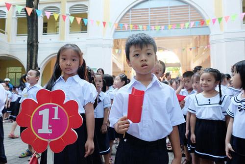 Hơn 240 nghìn học sinh ở Đà Nẵng vừa bước vào năm học mới 2017 - 2018 sáng nay 5/9