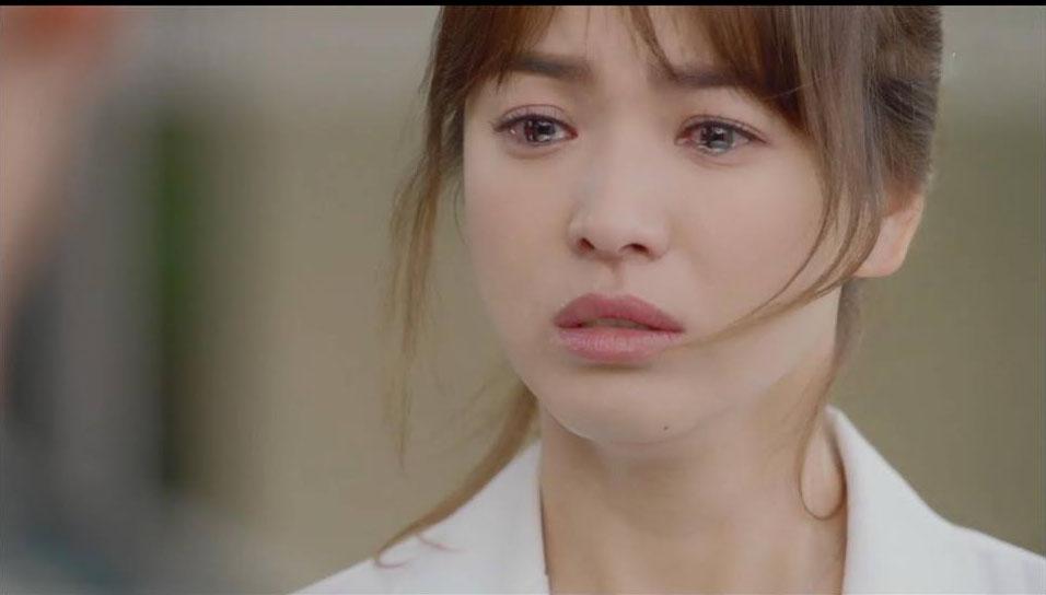Nước mắt có thể rơi...tràn khóe mi cô gái ngành Y