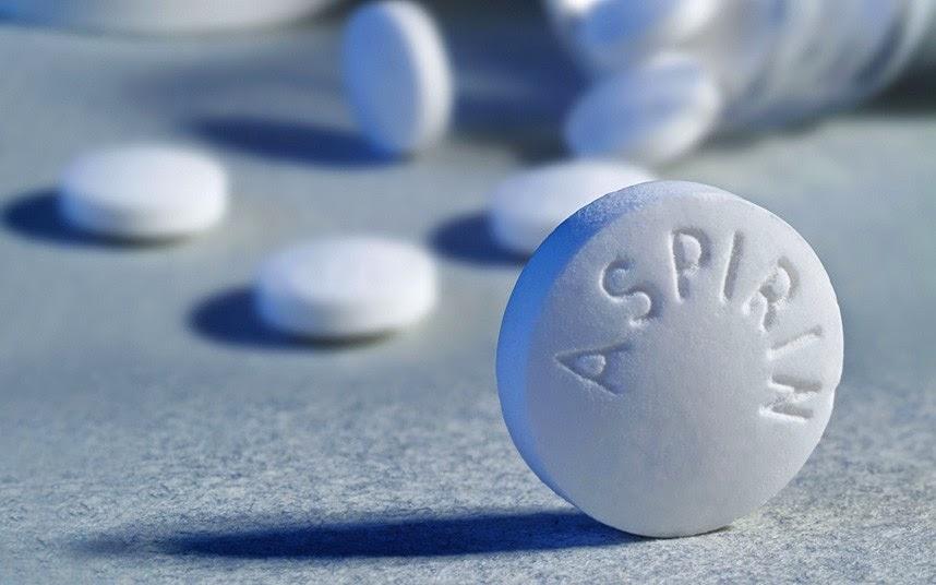 Cẩn thận với chiêu thức dùng aspirin trị mụn