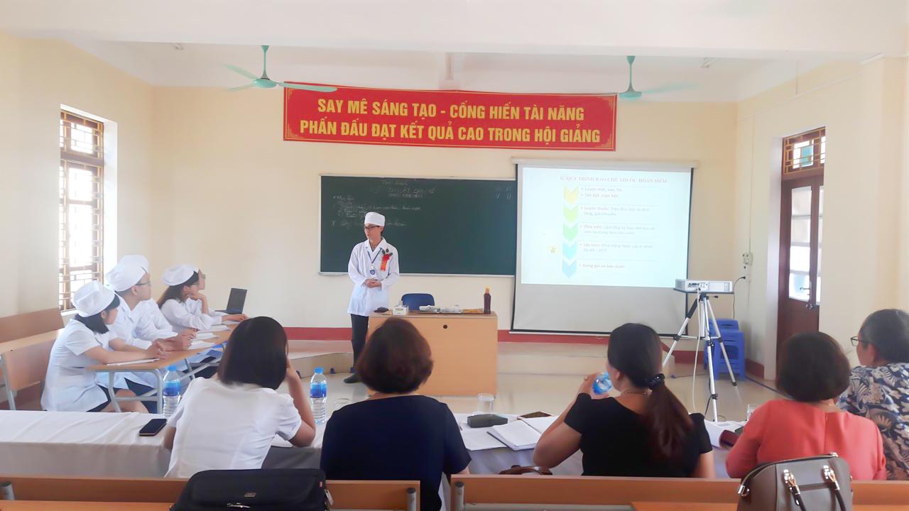 Hội giảng giáo dục nghề nghiệp là hoạt động giáo viên giao lưu, trao đổi học tập kinh nghiệm