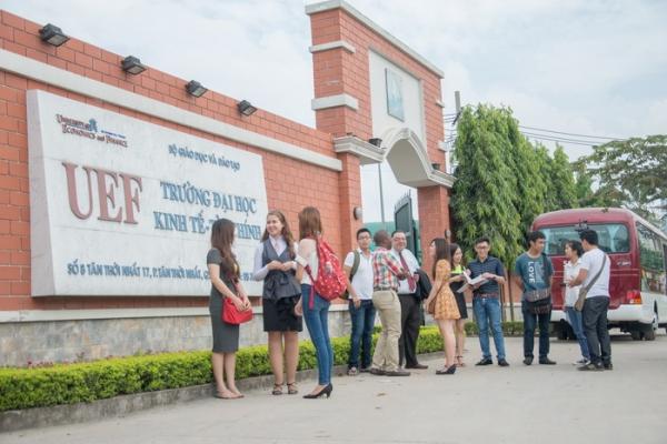 TOP trường Đại học có mức học phí khủng tại TPHCM