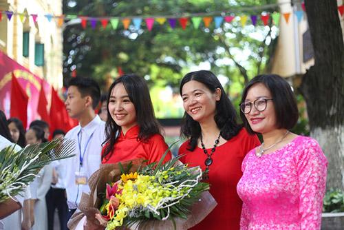 Thầy trò Trường THPV Việt Đức (Hà Nội) phấn khởi trong lễ khai giảng