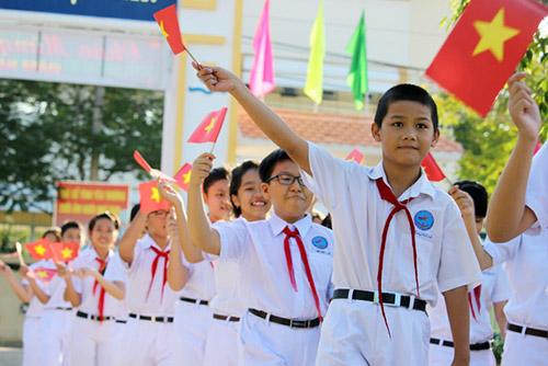 Nghi thức chào đón hơn 230 học sinh chuyển cấp về trường mới của THCS Lương Thế Vinh