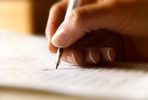 """""""Tố cáo"""" thói hư tật xấu của bác sĩ qua nét chữ viết tay"""