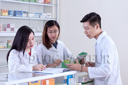 Học ngành Dược đang là sự lựa chọn của nhiều bjan trẻ trong tương lai