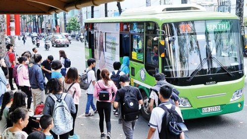 Đối với sinh viên xe buýt là phương tiện phù hợp nhất để di chuyển