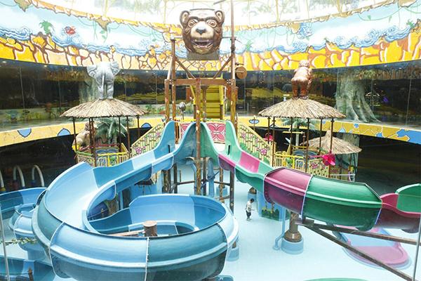Công viên Hồ Tây là một trong những khu vui chơi được nhiều người lựa chọn