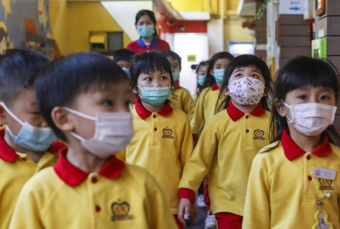 Nguy cơ lây nhiễm COVID-19 của trẻ em