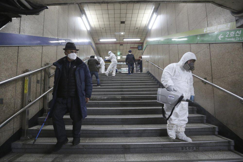 Số người nhiễm COVID-19 tại Hàn Quốc liên tục tăng