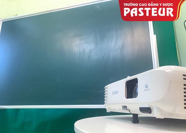 Trường Cao đẳng Y Dược Pasteur ứng dụng công nghệ vào trong giảng dạy - 2