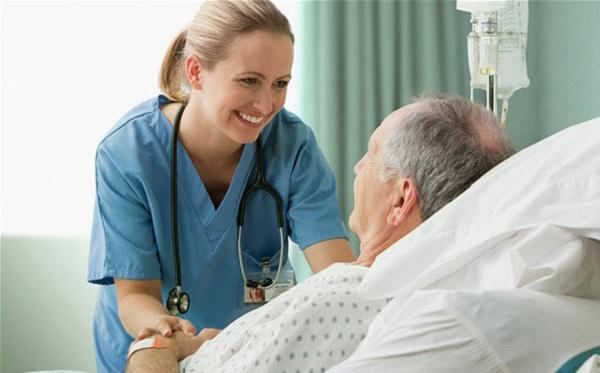 Tìm hiểu về nghề Điều dưỡng chăm sóc người cao tuổi
